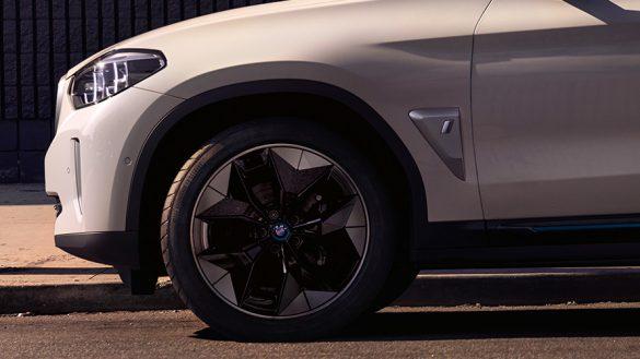BMW iX3 Kompletträder